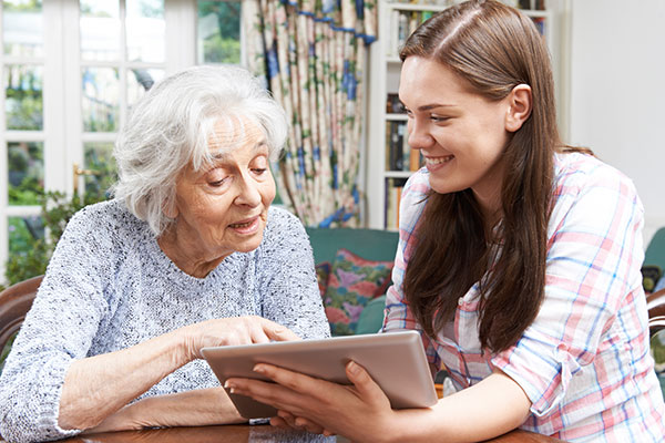 Helping Your Elderly Loved Ones Stay Connected Online